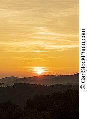 montanhas, silueta, amanhecer, fundo
