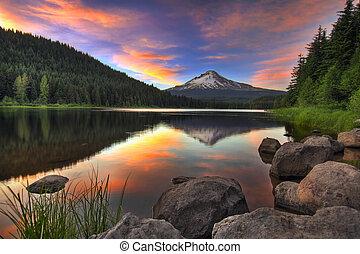 monte, ocaso, lago, capucha, trillium
