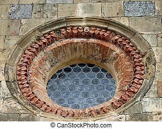 Monteriggioni - old rose window
