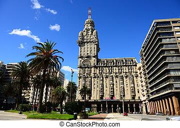 Montevideo in Uruguay - Plaza Independencia in Montevideo
