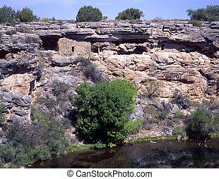 Montezuma's Well National Monument
