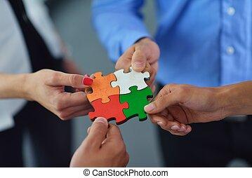 montieren, gruppe, geschäftsmenschen, puzzel, stichsaege