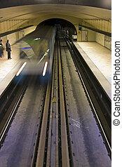 Montreal Subway Blur - Montreal subway arriving at the ...