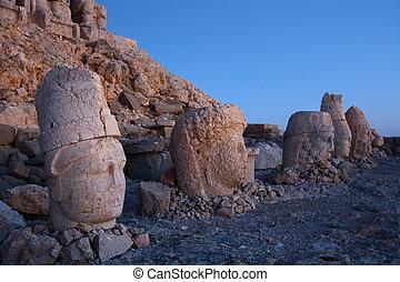 monument of gods on nemrut mountain