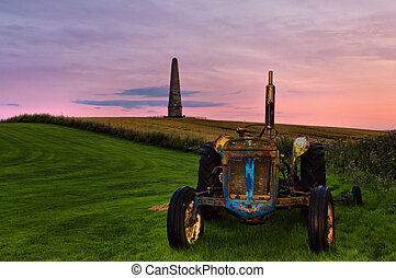 MONUMENT TRACTOR