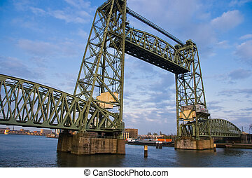 Monumental iron lifting bridge in Rotterdam - Monumental old...