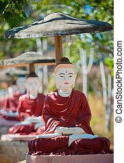 monywa, buddha, estatuas, myanmar