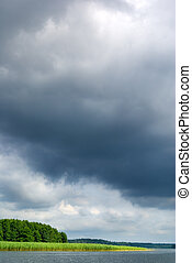 moody 하늘, 위의, lake.
