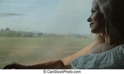 mooi, blonde, blik, door, de, venster, van, de, verhuizing, trein