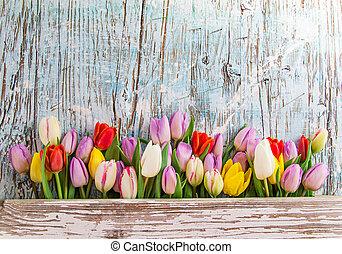 mooi, bouquetten, van, tulpen, op, houten, tafel.