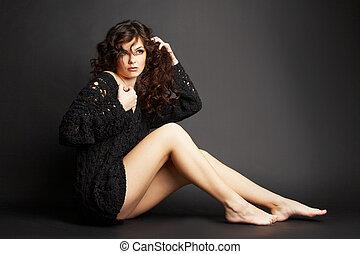 mooi, brunette, meisje, het poseren, in, studio