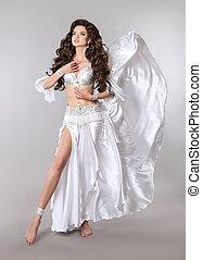 mooi, buikdanseres, vrouw, in, witte , het glanzen, kostuum,...