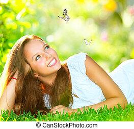 mooi, buiten, lente, groene, beauty., meisje, gras, het liggen