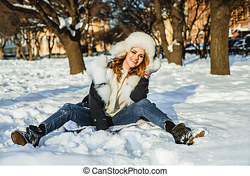 mooi, buiten, vacht, winter, vrouw, plezier, vrolijke , hebben, kleren