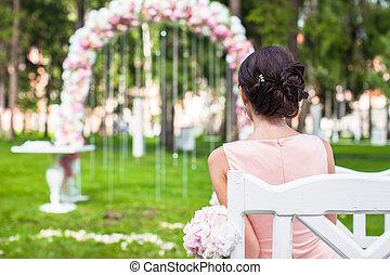 mooi, ceremonie, vrouw, jonge, lang, back, buitenshuis, jurkje, aanzicht