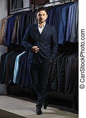 mooi, classieke, foto, jacket., kleren, jonge, informatietechnologie, suit., toonzaal, reclame, man, zakenman, modieus, het proberen, posing.