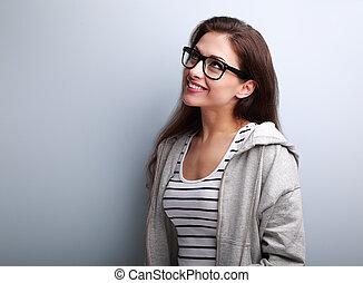 mooi, denken, jonge vrouw , in, bril, kijkend