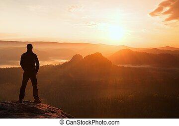 mooi, empires, natuur, park, op, schouwend, zandsteen, rots, mirakel, morgen, wandelaar, moment, sun., stander, nevelig, hoek, scherp, vallei, nevelig