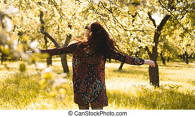 mooi, genieten, vrouw, gezonde , outdoor., park, jonge, nature., het glimlachen van het meisje