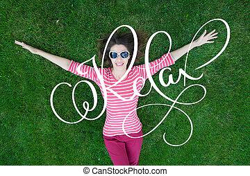 mooi, genieten, vrouw, woord, lettering, gezonde , nature., verslappen, jonge, gras, groene, het glimlachen, kalligrafie, meisje
