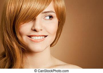 mooi, glimlachende vrouw, verticaal