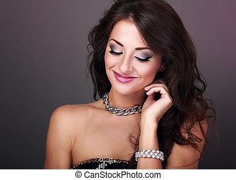 mooi, het kijken, hairstyle, avond, krullend, bangle, makeup, lang, dons, parel, helder, vrouw, halssnoer, mode