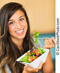 mooi, jonge vrouw , eten, een, kom van, gezonde , organisch, slaatje
