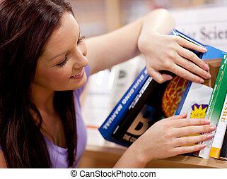 mooi, jonge vrouw , het zoeken, een, boek