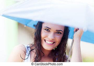 mooi, jonge vrouw , onder, paraplu