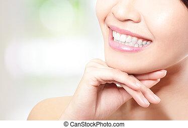 mooi, jonge vrouw , teeth, dichtbegroeid boven
