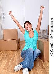 mooi, jonge vrouw , zittende , naast, dozen, in, nieuw huis