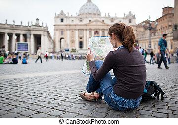 mooi, jonge, vrouwlijk, toerist, studerend , een, kaart, op,...