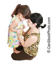 mooi, latijn, moeder en dochter, het glimlachen, met, liefde, op, elkaar