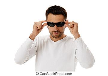 mooi, man, het dragen van zonnebril