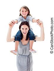 mooi, moeder, geven, haar, dochter, ritje op de rug rit