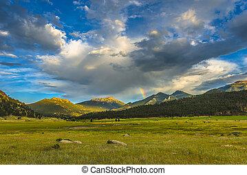 mooi, ondergaande zon , in, moraine, park, colorado, rockies