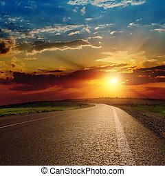 mooi, ondergaande zon , op, asfalteren straat