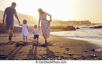 mooi, ontspannen, ondergaande zon , gezin, schouwend