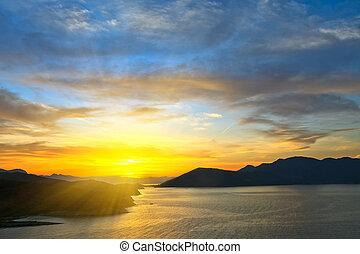 mooi, op, ondergaande zon , egeïsche zee