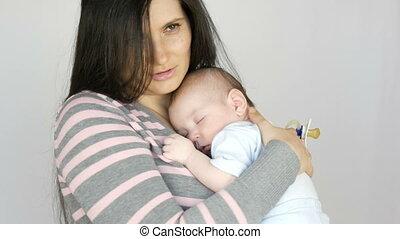 mooi, pasgeboren, haar, slaap, langharig, wiegen, jonge, two...
