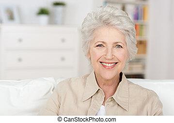 mooi, pensioen, oude vrouw, het genieten van