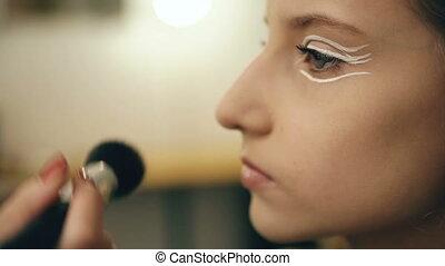 mooi, perfomance, kunstenaar, makeup, jonge, actrice, gezicht, binnen, dancing, make-up, meisje, maakt, voor