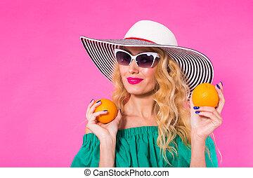 mooi, roze, concept, zonnebrillen, hoedje, op, sinaasappel, achtergrond., vrouw, plezier, modieus, vakantie, mode, hebben, zomer