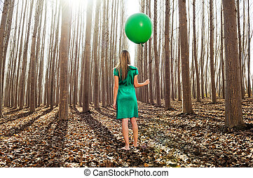 mooi, staand, geklede, meisje, bos, groene, blonde