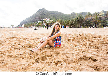 mooi, strand., vrouw glimlachen, meisje, vrolijke