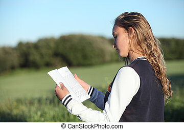 mooi, tiener, back, boek, girl lezen, aanzicht