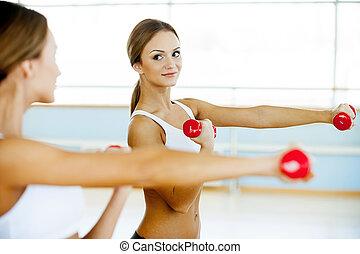 mooi, versterking, haar, spierballen,  Stretching, jonge,  hand, vrouw, aanzicht, het glimlachen,  Dumbbell, Bovenkant, uit
