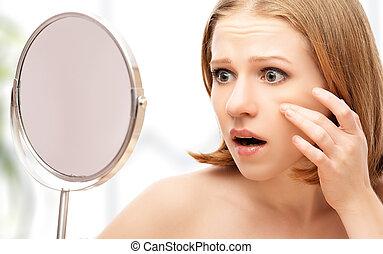 mooie vrouw, gezonde , zaag, acne, jonge, rimpels, spiegel,...
