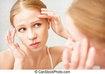 mooie vrouw, gezonde , zaag, acne, w, spiegel, bang