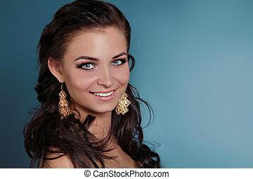 mooie vrouw, juwelen, krullend, beauty., haar, avond, make-up.